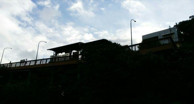 台北方向バス停