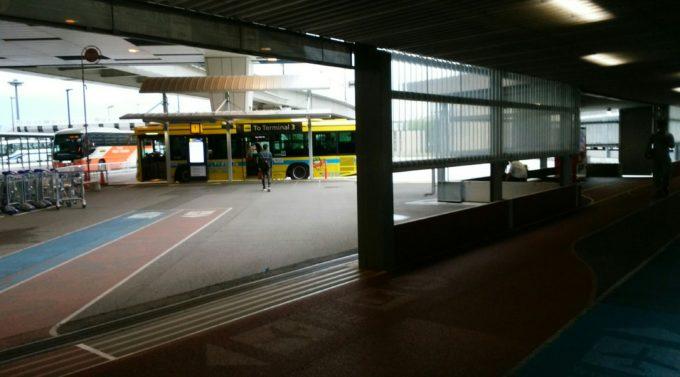 第3へのバス