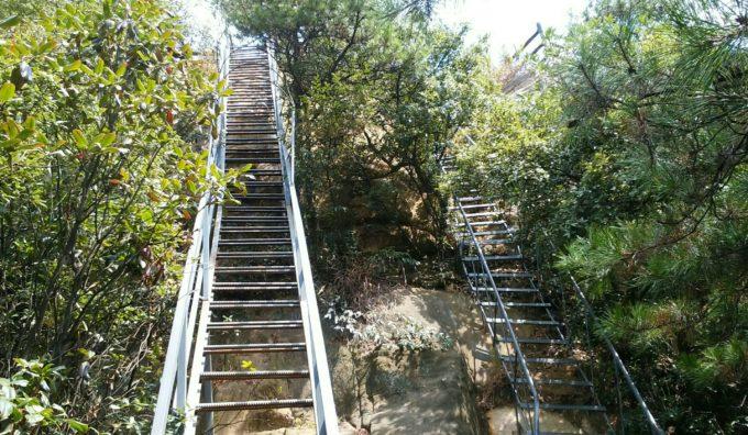 また鉄の階段